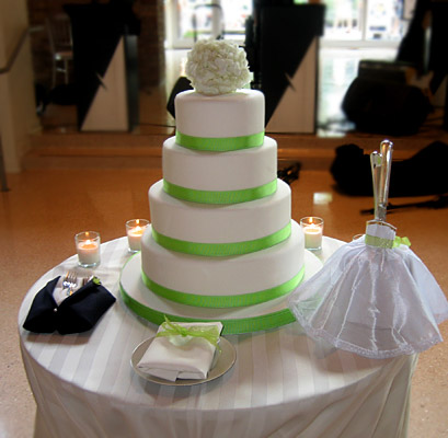 Western Wedding Decorations on Wedding Cakes   Find Your Perfect Wedding Cake